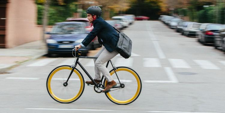 Bicicleta fixie en ciudad